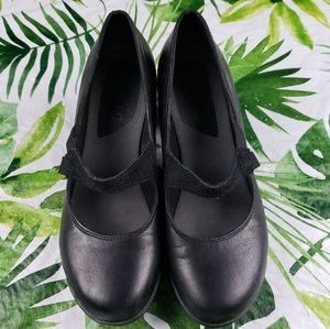 Merrell EVERA DRAFT mid heel Mary Jane pumps 8.5